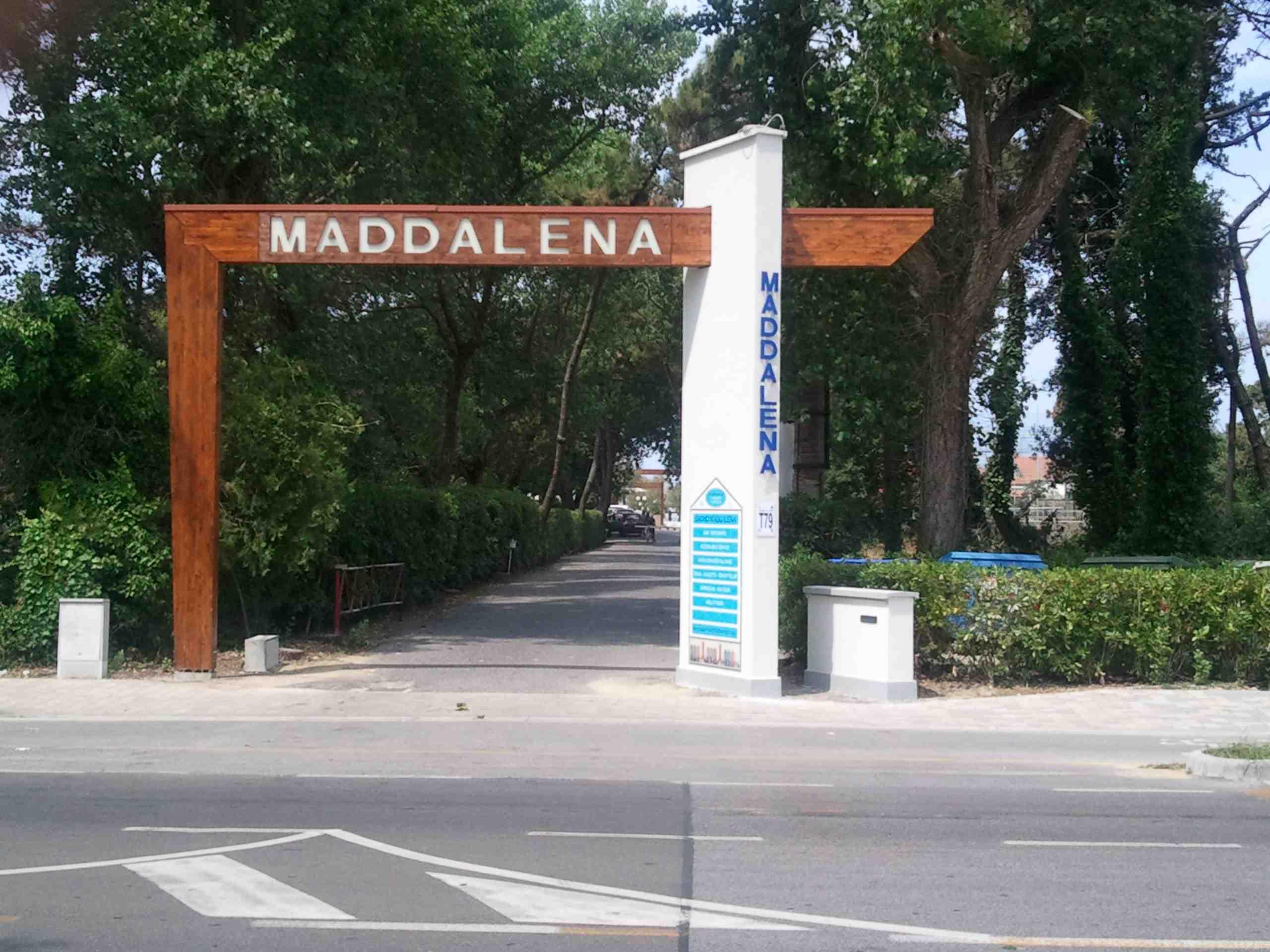 Bagno MADDALENA - Tirrenia >> Contatti